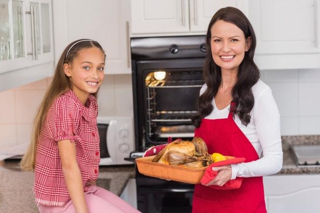Families prepare their own turkeys to save money on Thanksgiving